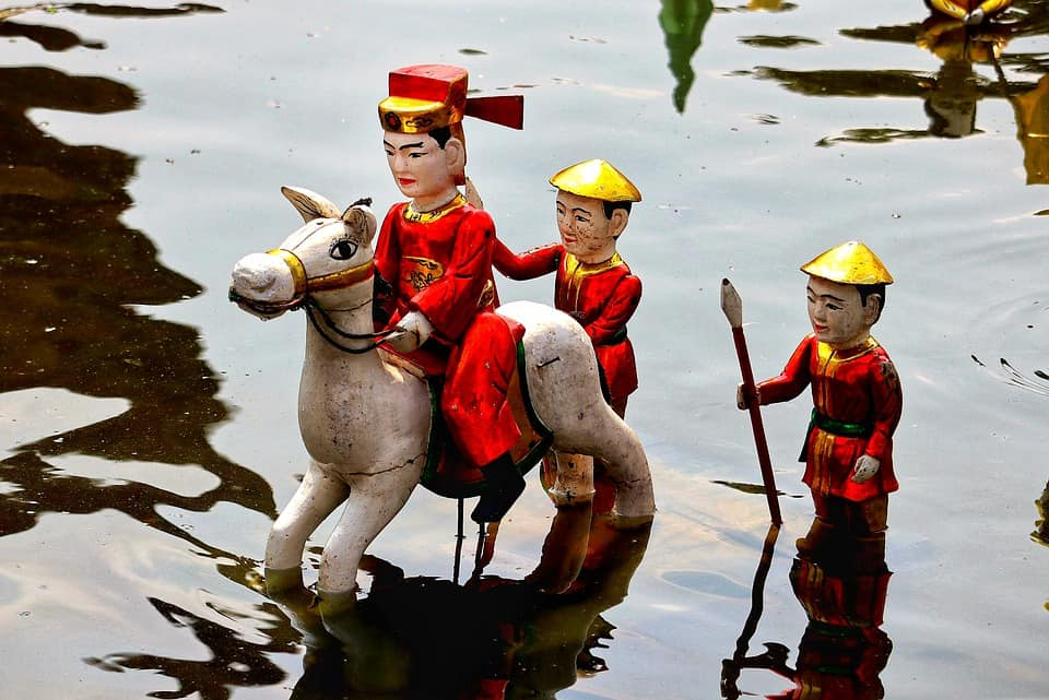 water puppet show hoi an