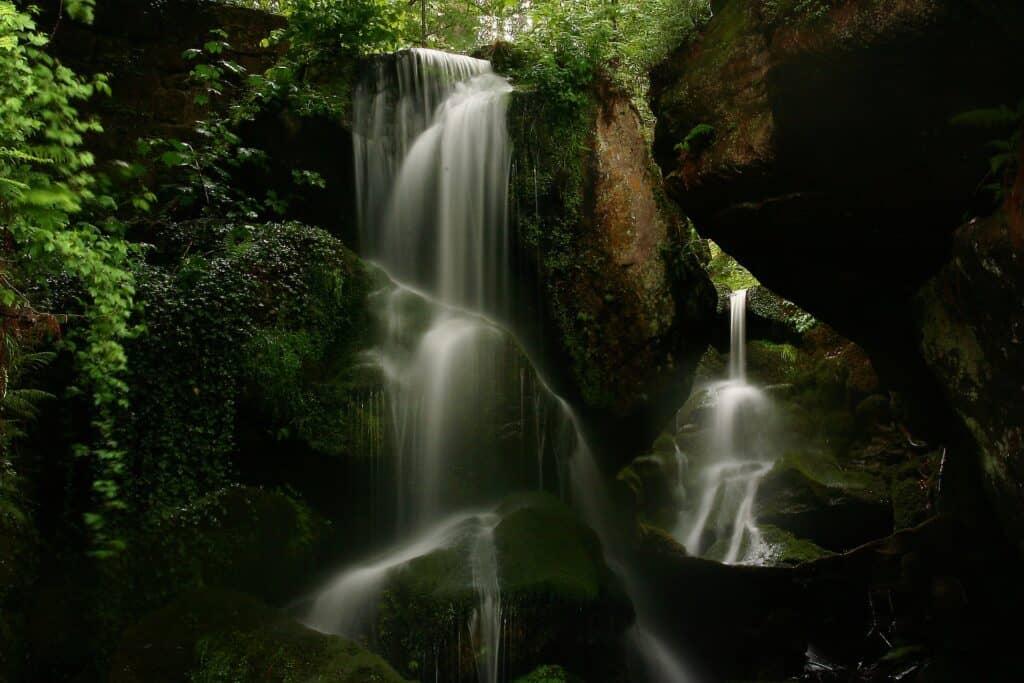 Bhuana Sari Waterfall