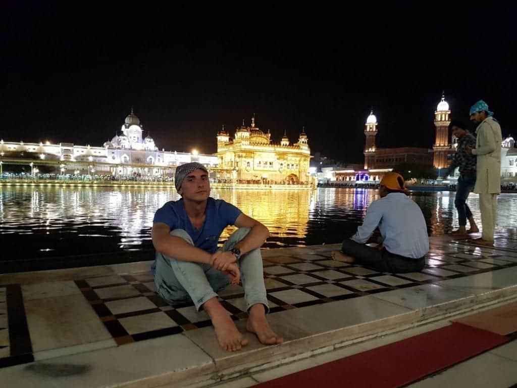 golden temple amritsar night