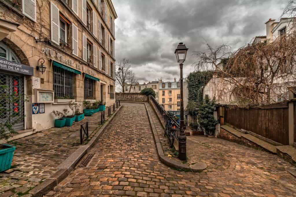 montmartre vineyard paris off the beaten path