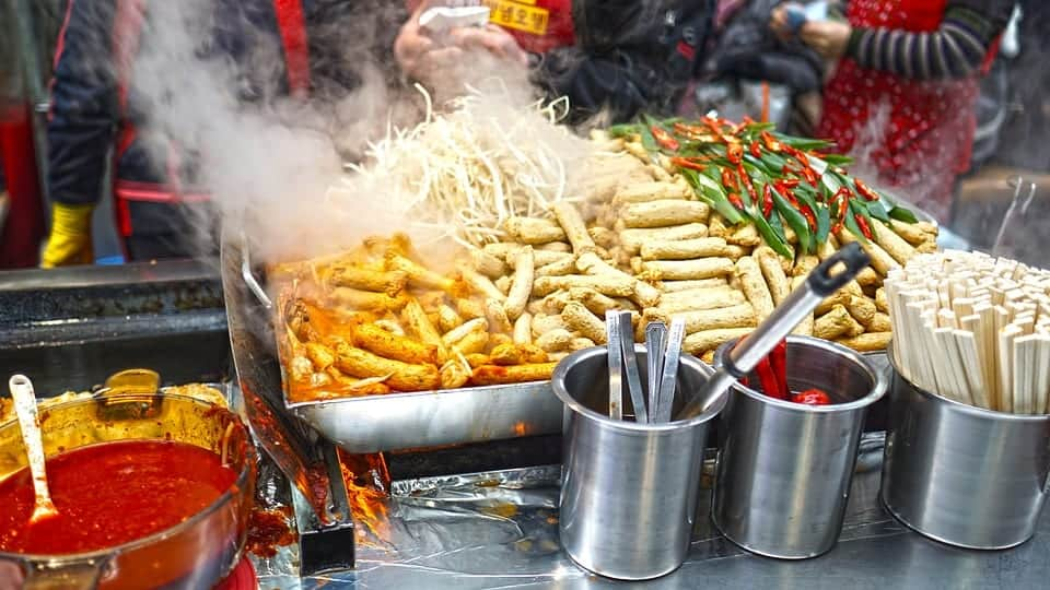 street food How to save money when traveling