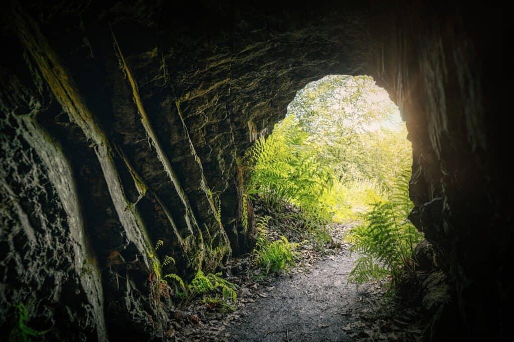 niagara falls screaming tunnel