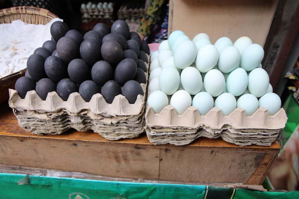 Iron egg (tie dan)