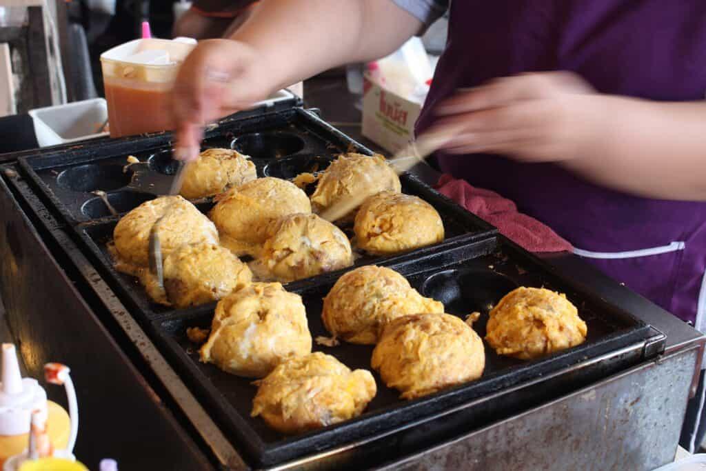 takoyaki street food in taiwan