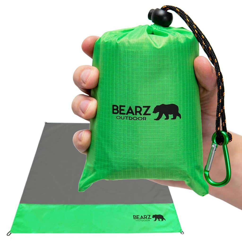 BEARZ Outdoor Compact Pocket Blanket