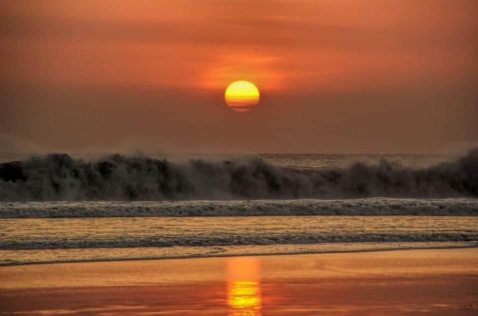 bali sunset wave