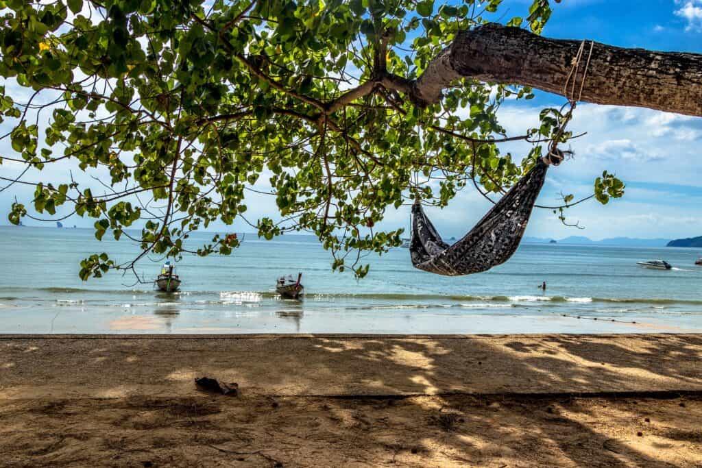 ko ra wi island hopping in thailand