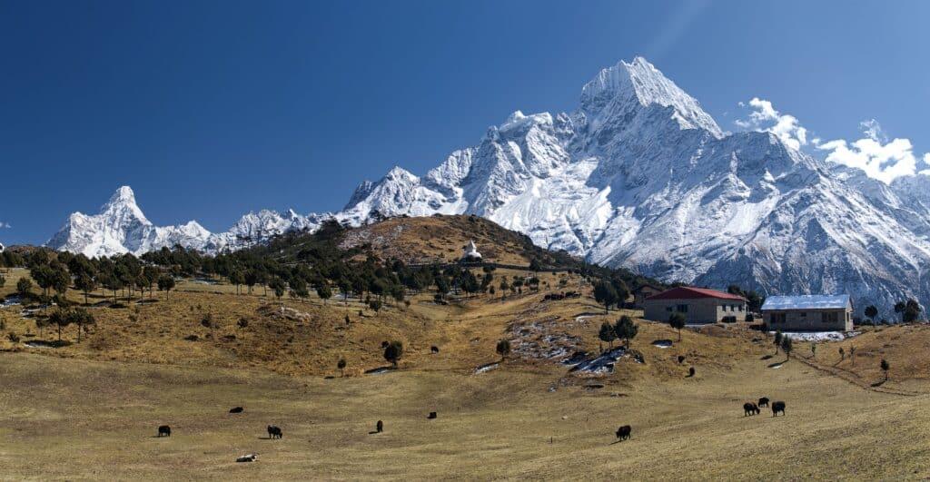 himalayas tsum valley