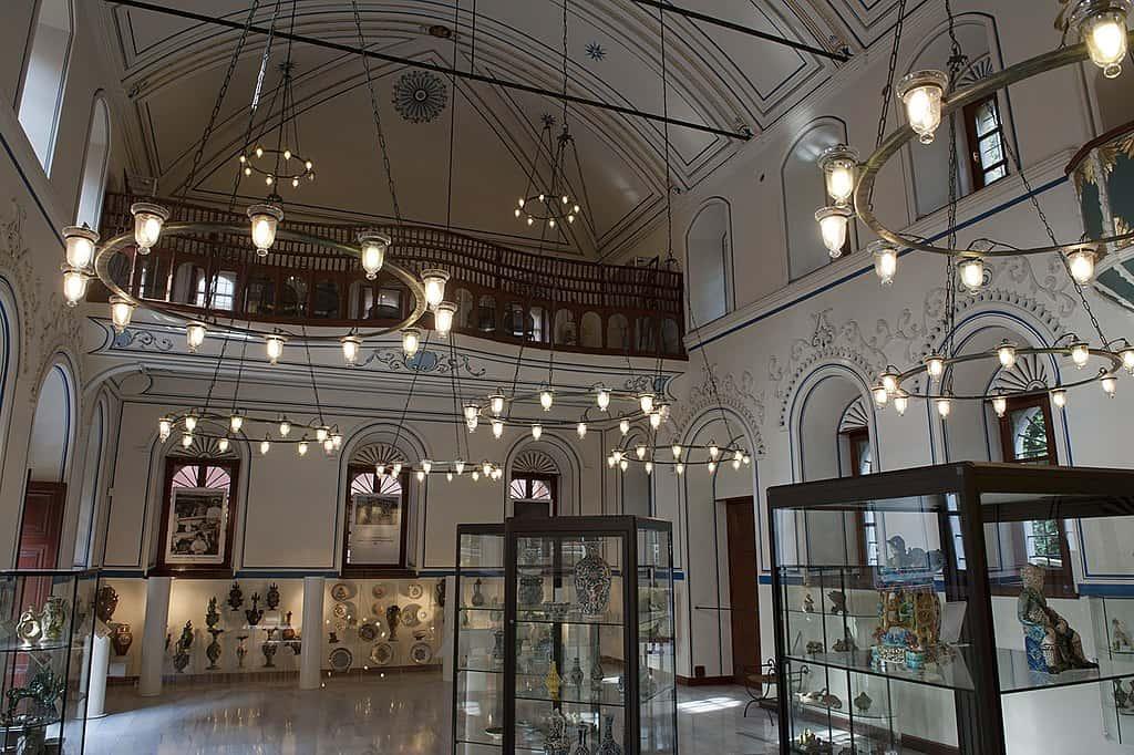 İnan Kıraç Kaleiçi Müzesi