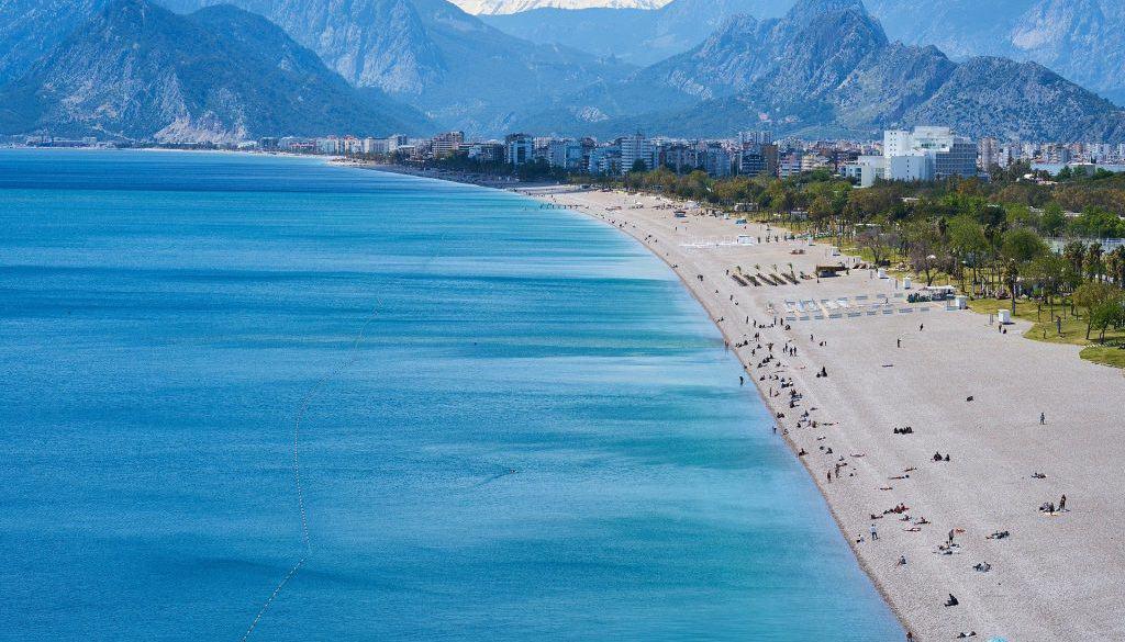 beach-4185408_1920