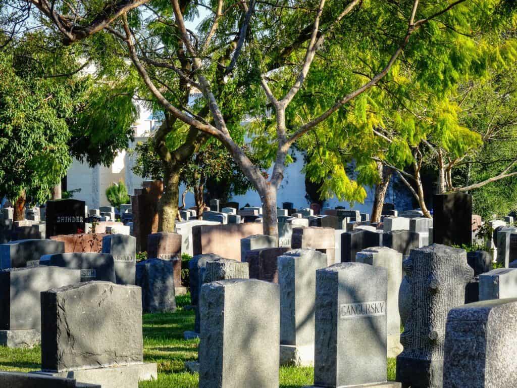 cemetery la