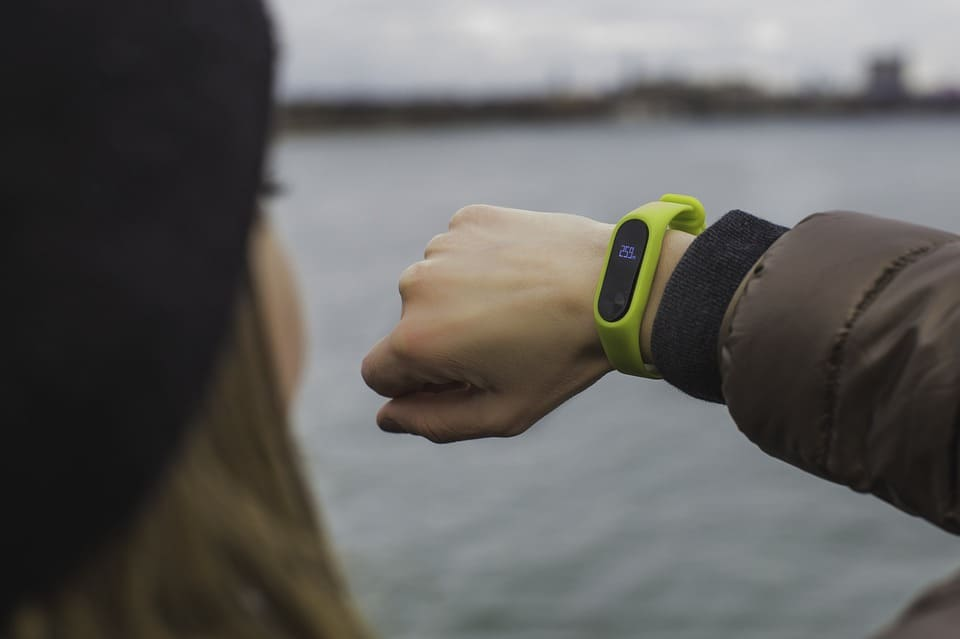 girl with fitness tracker