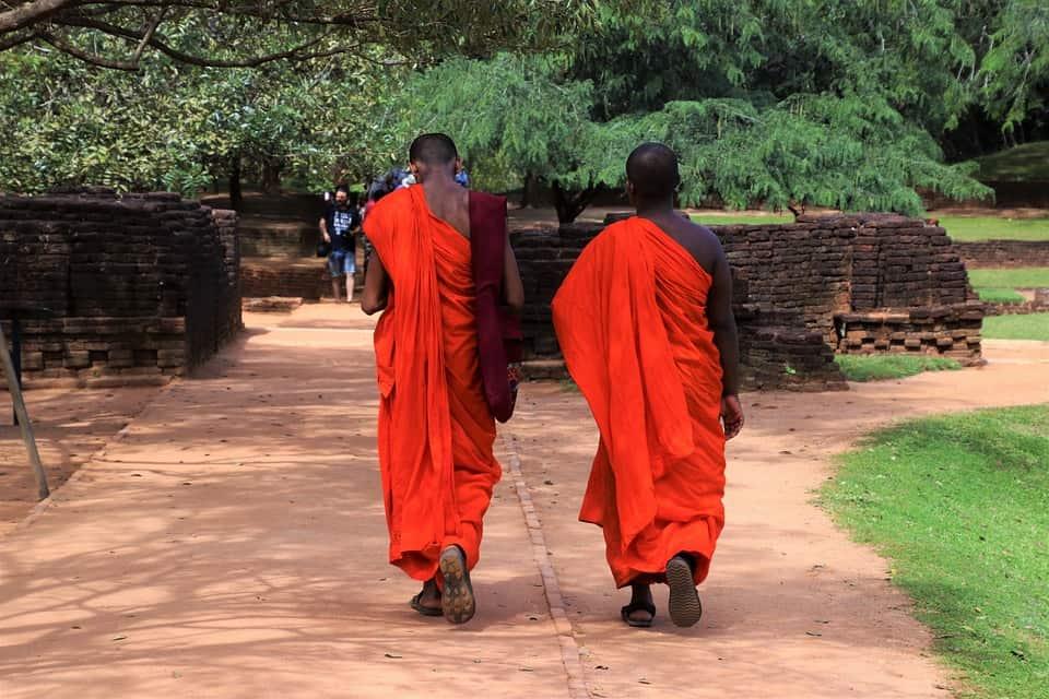 sri lanka buddhist monks