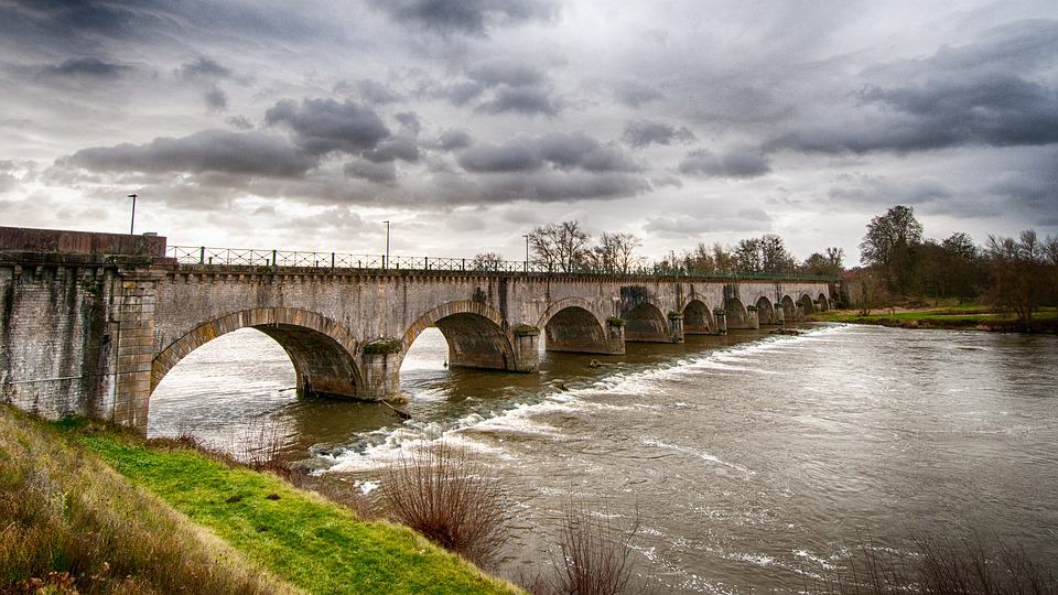 burgundy canal digoin