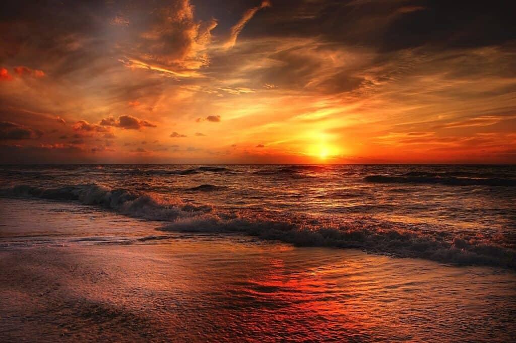 beach 2179624 1920
