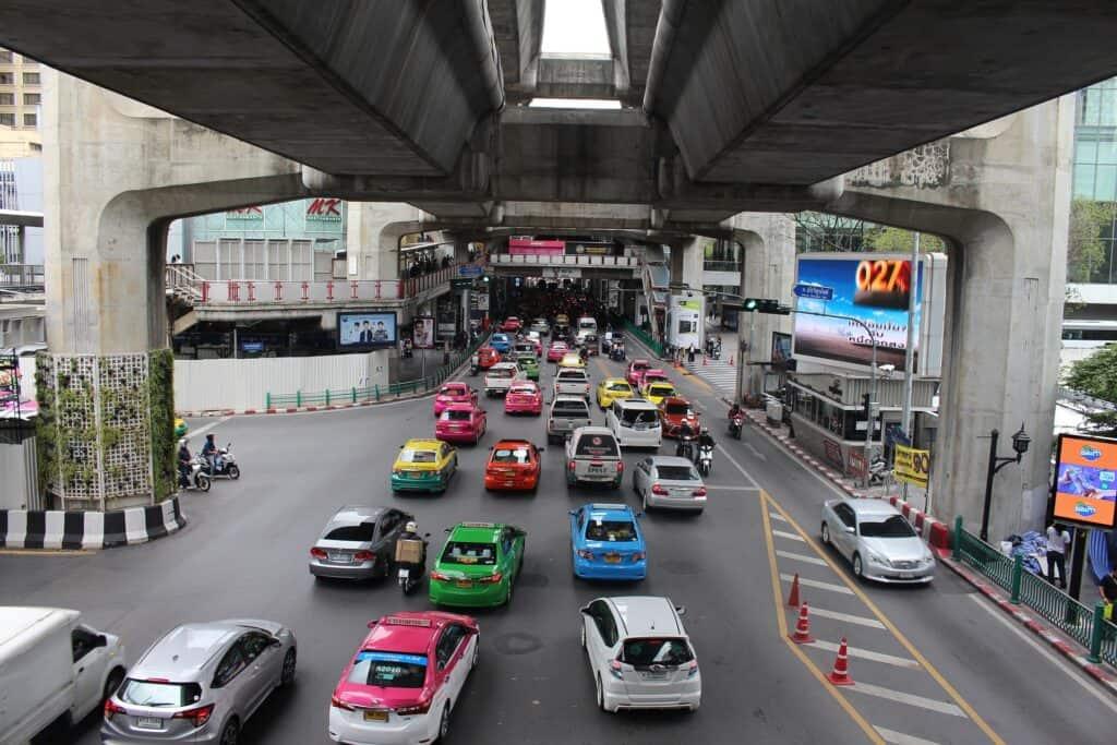 bangkok vs chiang mai
