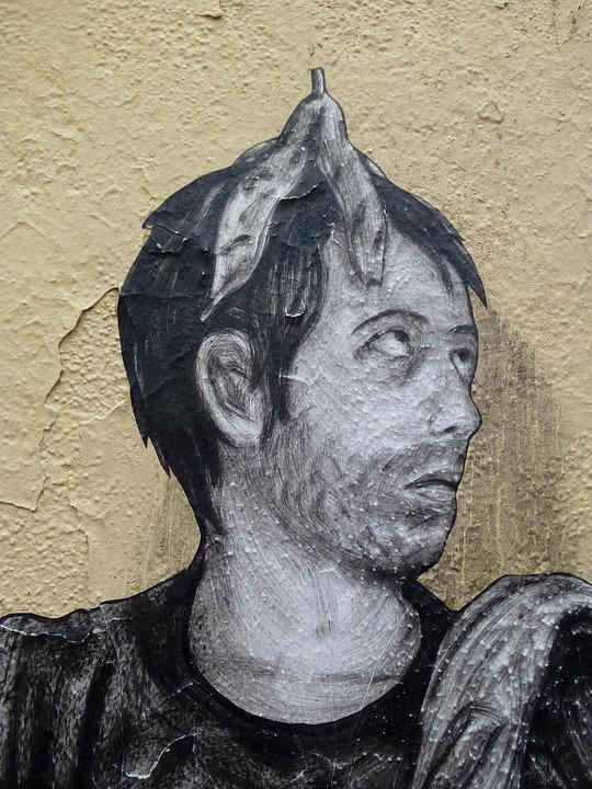 funny street art in paris