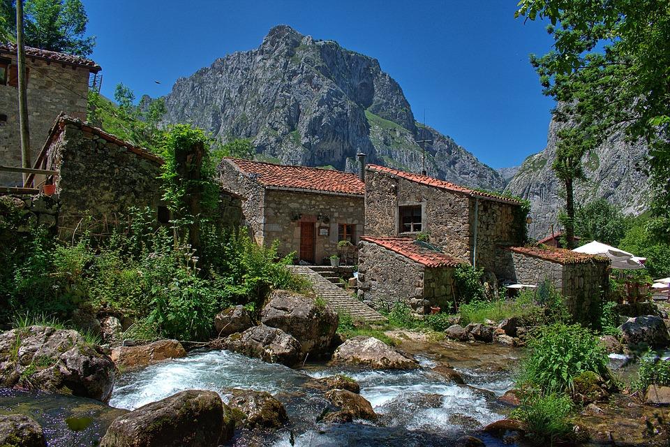 asturias river house