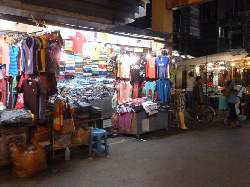 Rincome Night Market
